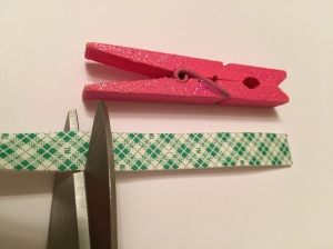 clothespin kitchen hack
